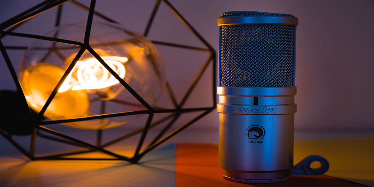 best cheap gaming mic featured image