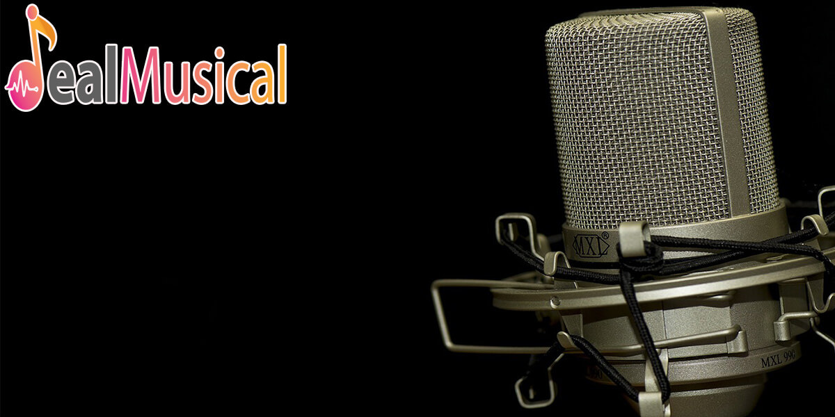 best studio microphone under 200 featured image
